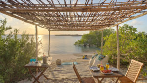 Infinite_Africa_Travel_Mozambique_Azura_Quilalea_beach_picnic