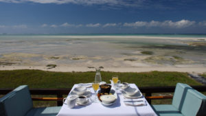 Infinite_Africa_Travel_Mozambique_Coral_Lodge_Breakfast_Sea_Views