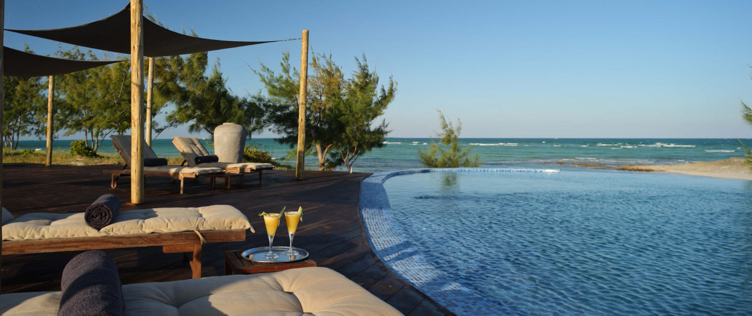 Infinite_Africa_Travel_Mozambique_Coral_Lodge_Sea_Pool_View