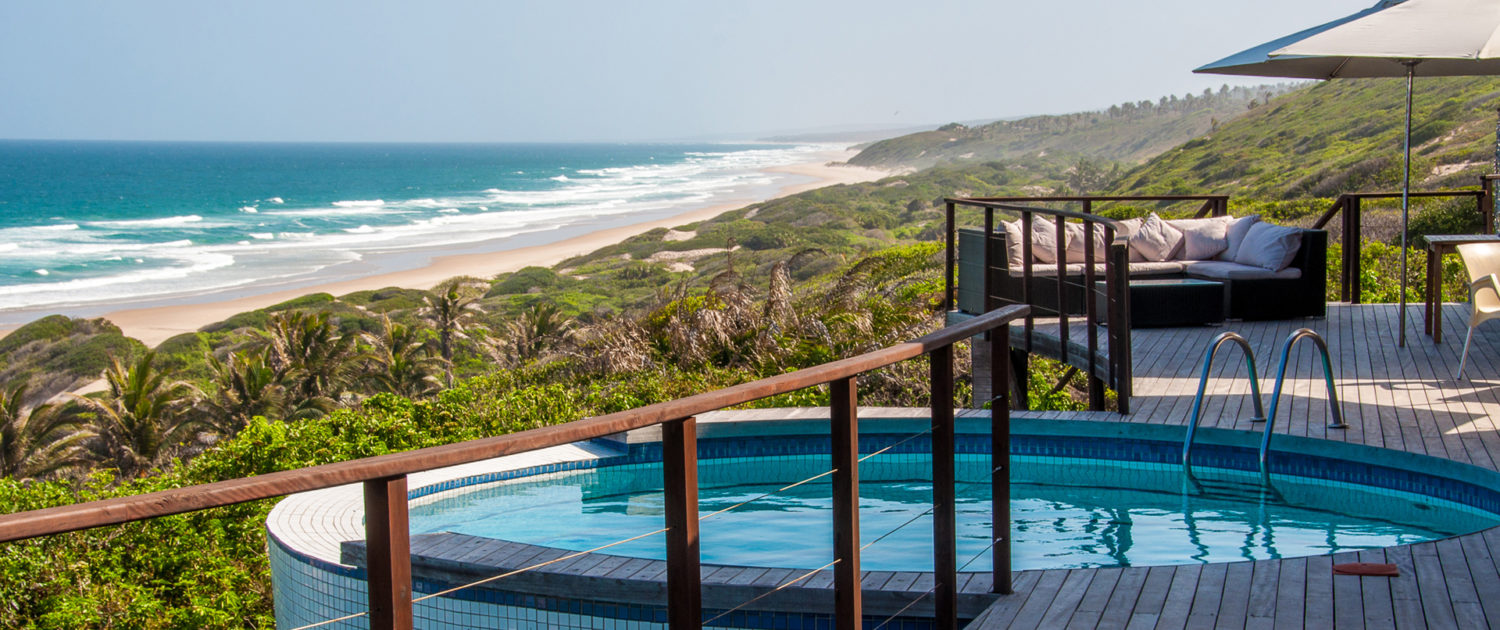 Infinite_Africa_Travel_Mozambique_Massinga_Beach_Dive_Pool_Sea_View