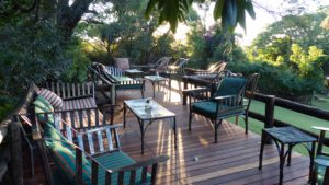 infinite_africa_travel_botswana_kubu_lodge_restaurant_lounge