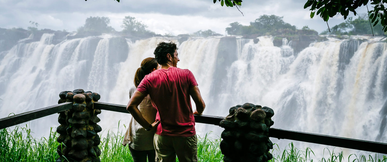 infinite_africa_travel_zimbabwe_royal_livingstone_falls_knifes_edge