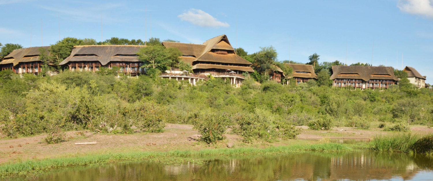 infinite_africa_travel_zimbabwe_victoria_falls_safari_lodge_exterior_of_lodge